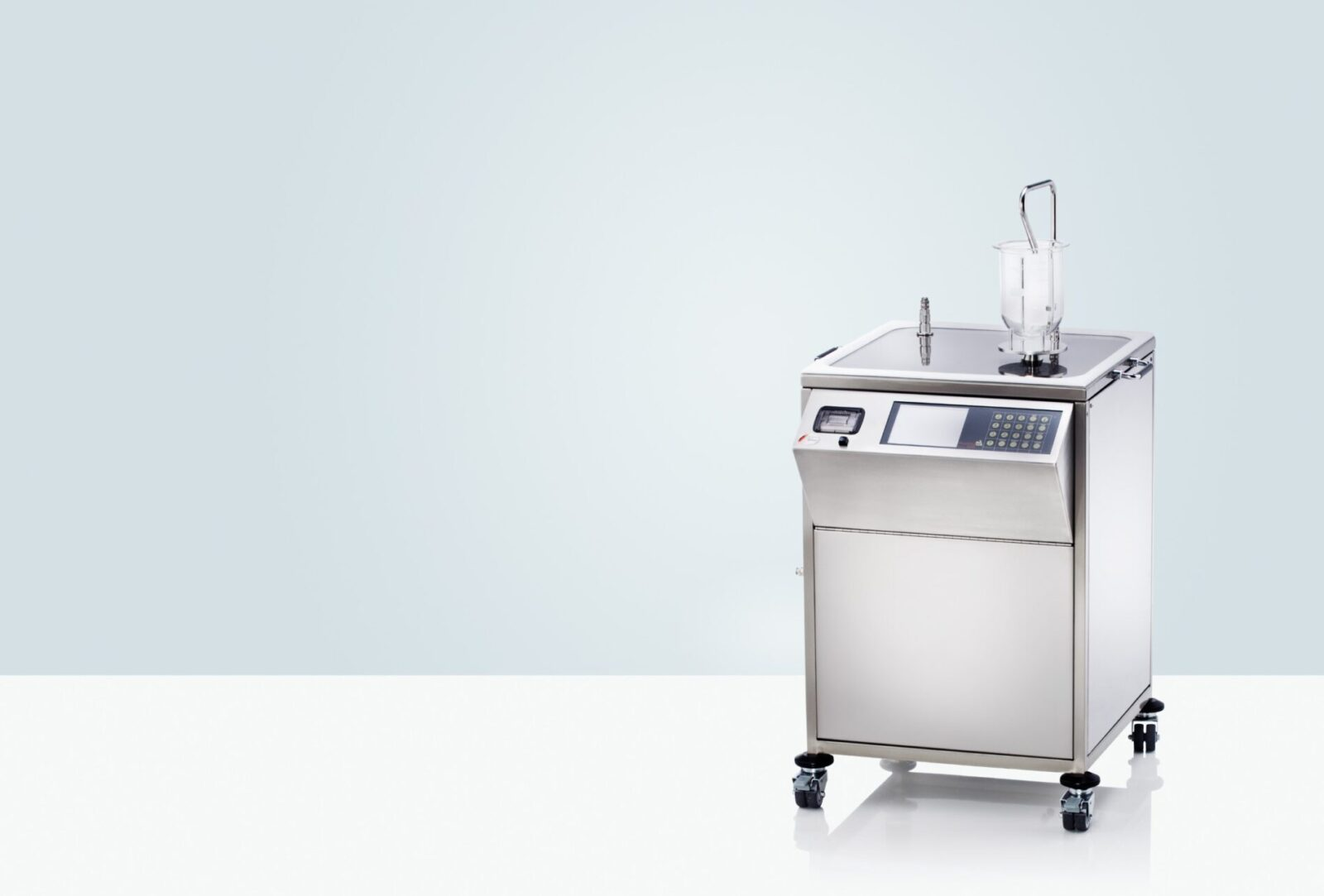 The PT-DDS4 media preparation and degassing system